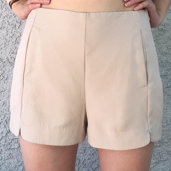 Lush Pants - Lush Nordstrom Cream Neutral Nude Beige Shorts